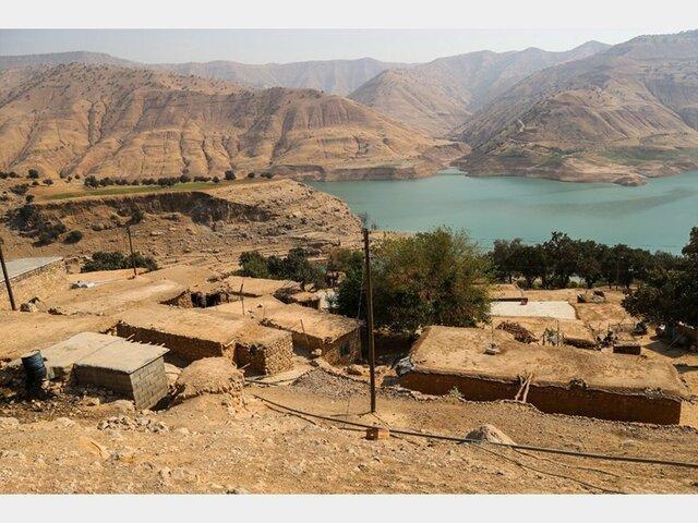 آخرین وضعیت روستای غریبی ها دهدز ، خطر رانش کوه وجود دارد
