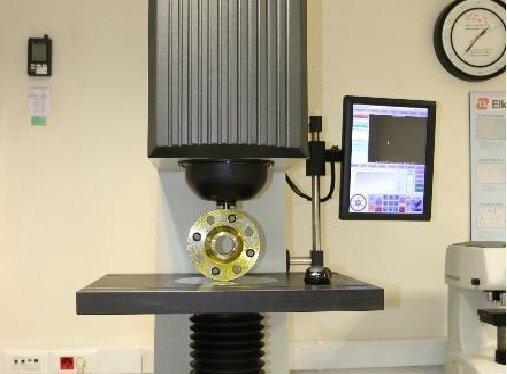 دستیابی محققان به دانش فنی ساخت نمونه های استاندارد صنایع فولاد سازی