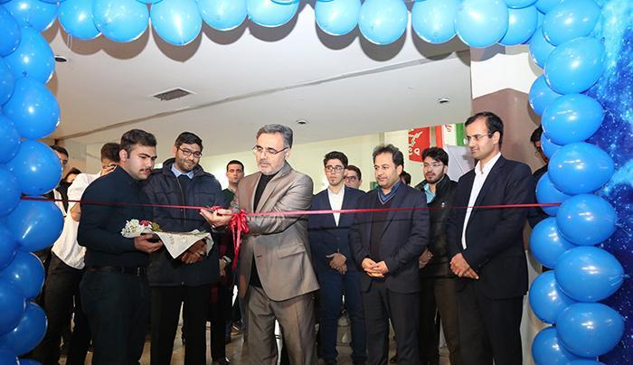 نمایشگاه نقاشی اتاق آسمان در دانشگاه تبریز راه اندازی شد