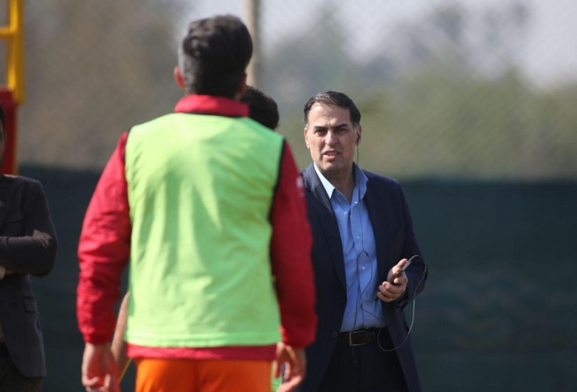 آذری: باید قبل از گرما لیگ را شروع کنیم، یک فصل دیگر با نکونام قرارداد داریم