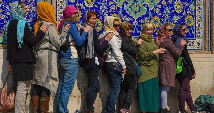 ماجرای توقف 20 اروپایی در مرز ایران چیست؟
