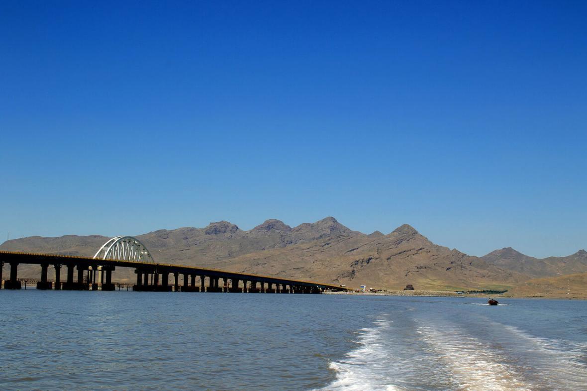 خبرنگاران احداث آبگذر دریاچه ارومیه و برطرف مشکل چرخش آب