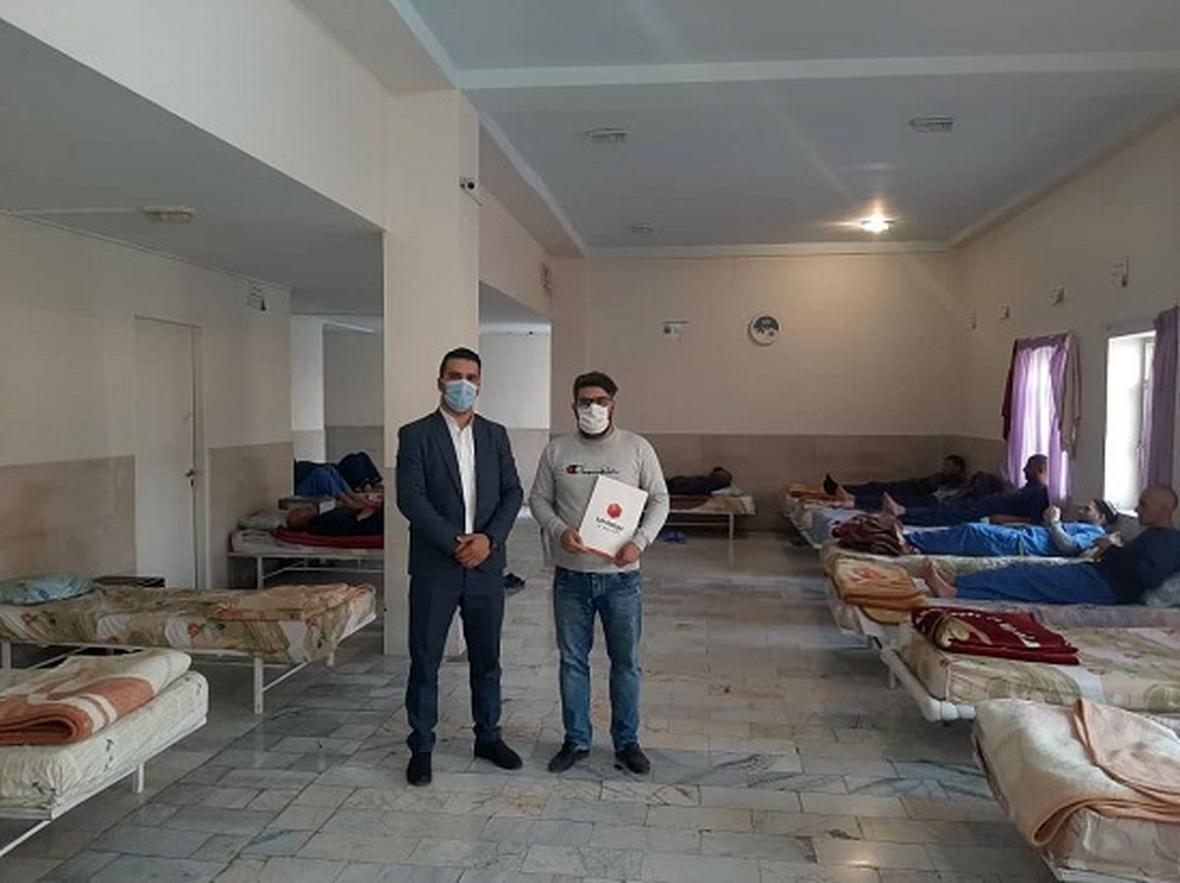 اهدا اقلام بهداشتی به موسسه ماژین مهر هشتگرد توسط بیمه ما