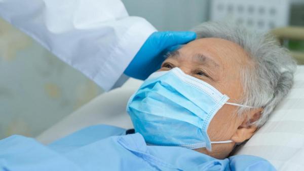 ماسک حاوی فلز، صورت بیمار را سوزاند