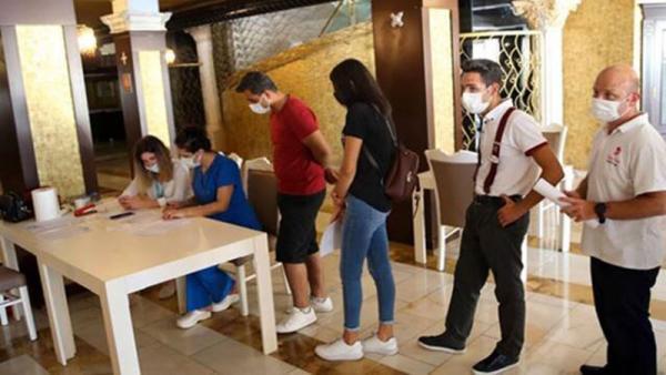 مسافران خارجی در ترکیه واکسینه نمی شوند